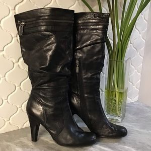 Guess Heeled Zipper Boots